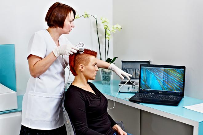 Jak wygląda badanie trychologiczne włosów?